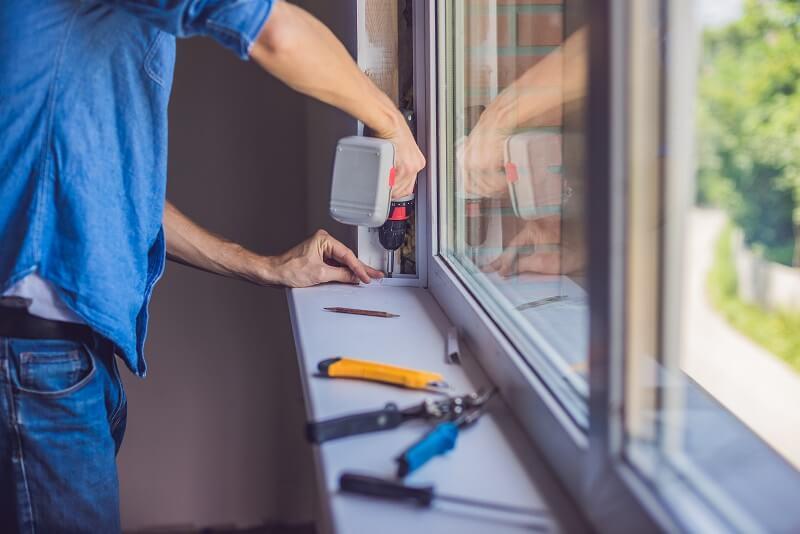 Jak_regulować_okna_PVC_budvar